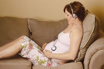 5 Manfaat Mendengarkan Musik Klasik Untuk Bayi Ibu Hamil