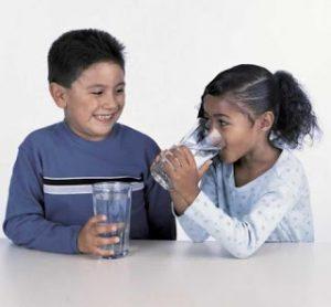 manfaat banyak minum air utih