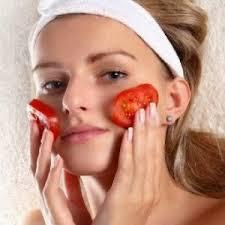 15 Manfaat Tomat bagi Kecantikan Kulit